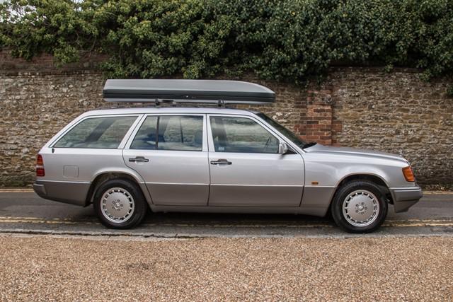 1991 Mercedes-Benz W124 300 TE 4Matic
